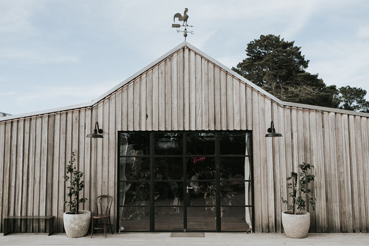 logan brae machinery shed blue mountains wedding venue